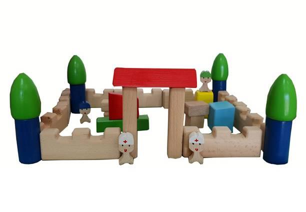 Mali dvorac u plastičnoj ambalaži 3+